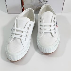 Superga Cotu Classic White 2750 Lace Up sneakers